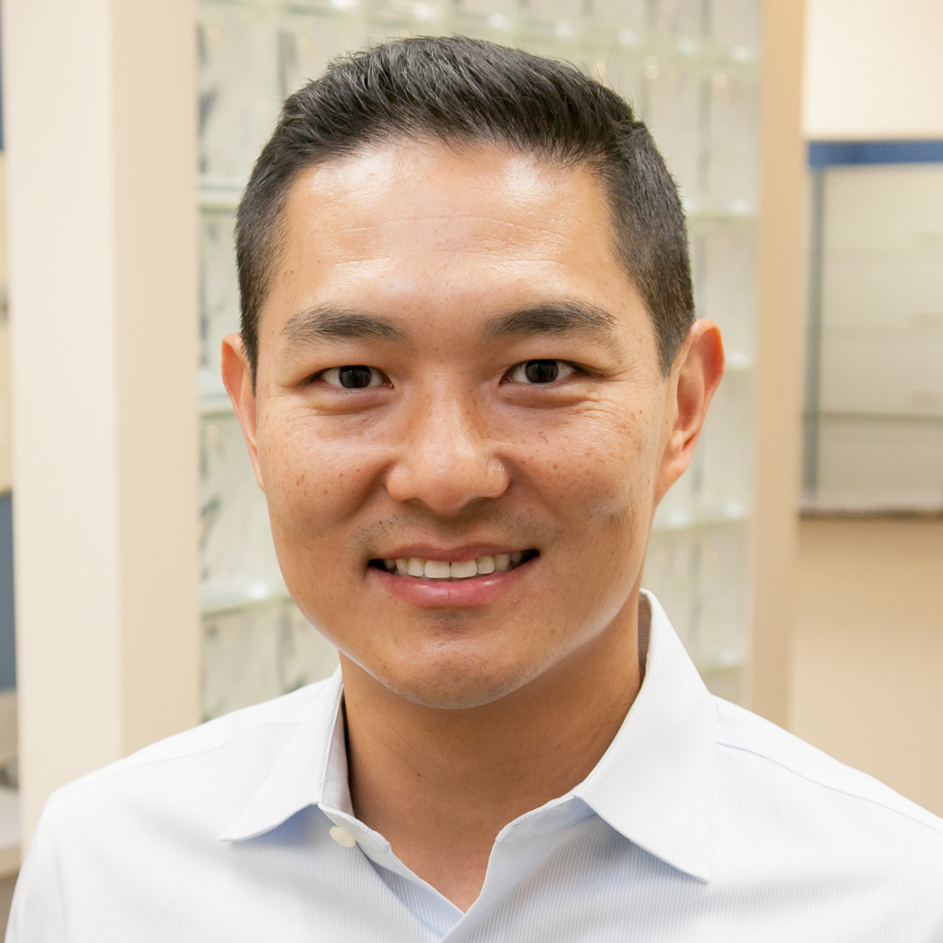 Dr Calvin Lee